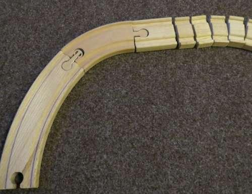zapojení dřevěných kolejí