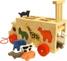 Dřevěné nákladní auto se zvířátky