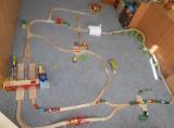 Dřevěné vláčky - inspirace Vláčkodráha s hlavním nádražím