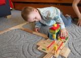 Dřevěné vláčky - inspirace Signální stanice BigJigs - detail