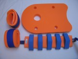 Plavecké pomůcky - tip na kombinace oranžovo modrá: pás, rukávky a deska