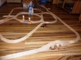 Dřevěné vláčky - inspirace Jednoduchá vláčkodráha