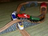 Dřevěné vláčky - inspirace Stoupání, klesání, tunely a mosty...