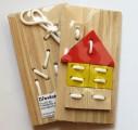 Provlékací destička, dřevěné šití - DOMEČEK