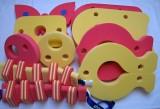 značka Dena - barva červená a žlutá